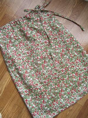 巻きスカート。